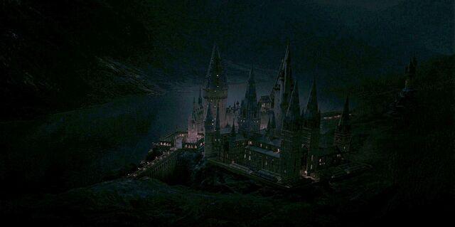 File:Harry-potter7-movie-screencaps.com-5424.jpg