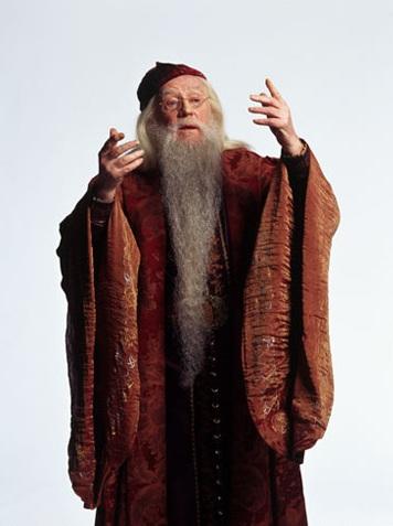Dosya:Promo pic of Richard Harris as Professor Dumbledore (CoS).jpg