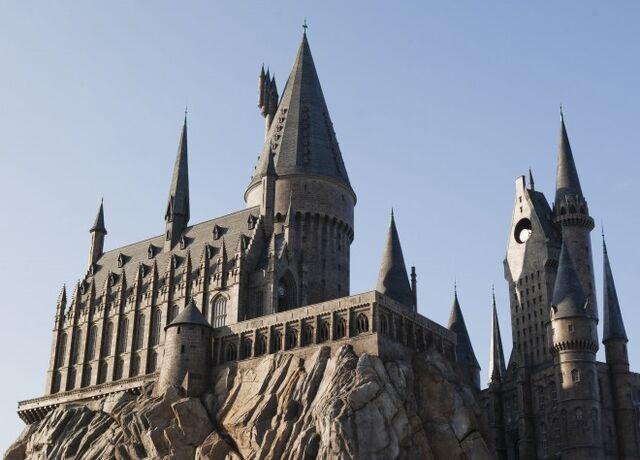 File:Hogwarts-660x474.jpg