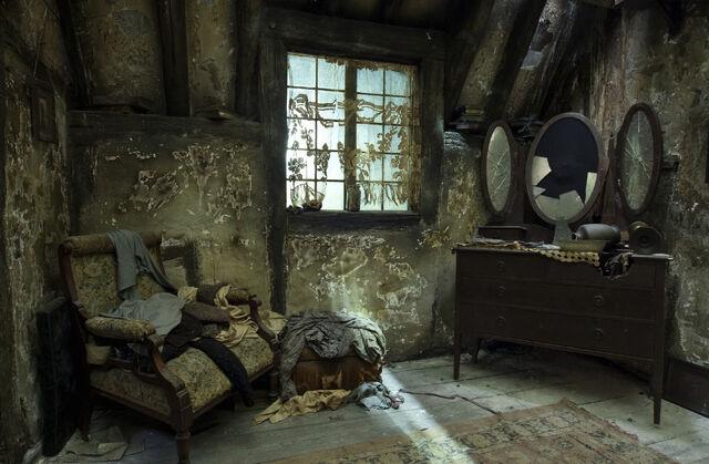 File:BathildaBagshotHouse.jpg