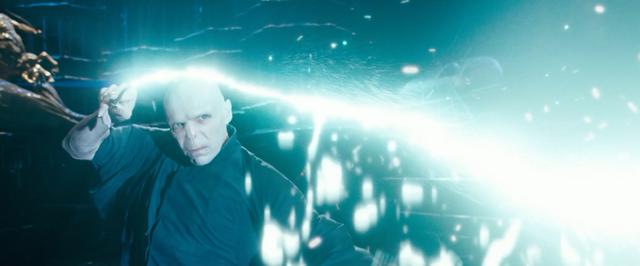 File:Voldemort avada kedavra.png