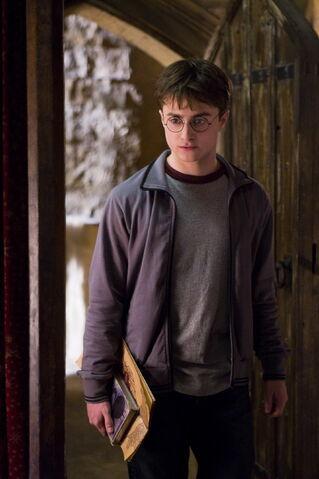 File:Harry in HBP.jpg