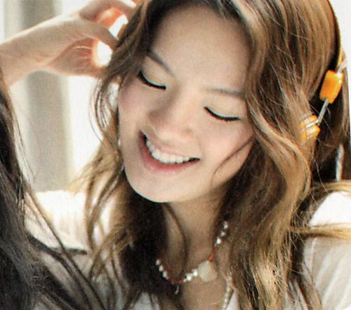 File:Hyoyeon 7.png