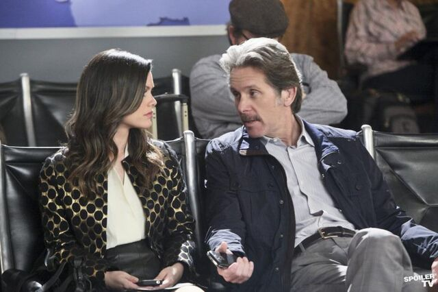 File:Hart of dixie 1x21 Zoe and father.jpg
