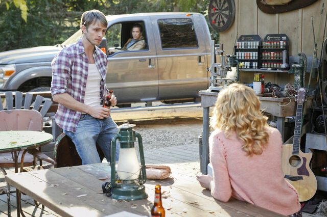 File:Hart-of-Dixie-Episode-1.16-Tributes-Triangles-Promotional-Photos-9.jpg