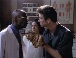 Tales from the Crypt 4x02 001