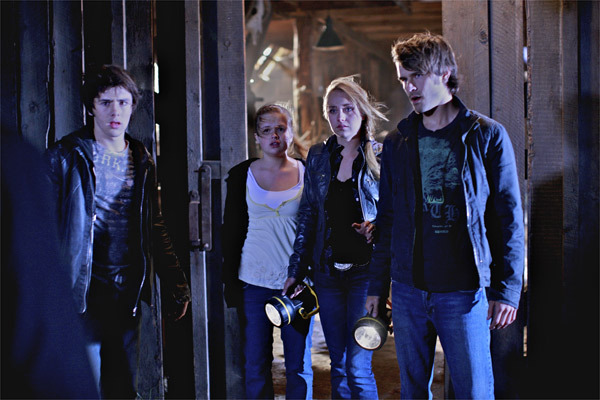 File:Episode-304-The-Haunting-of-Hanley-Barn-amy-and-ty-8880544-600-400.jpg