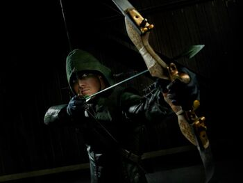 Oliver-Queen-Promo-Pictures-arrow-cw-31448835-960-720