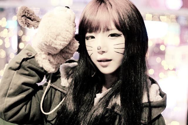 File:ShinHeeRinAugust2013.png