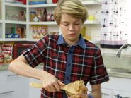 Jace-Norman-Cacca-Finta