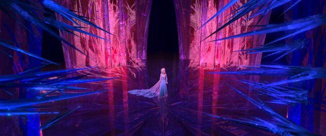 File:Elsa-palace-still.jpg