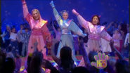 Girls Hi-5 Base To Outer Space
