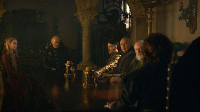 Archivo:Tywin Mano Consejo HBO.jpg