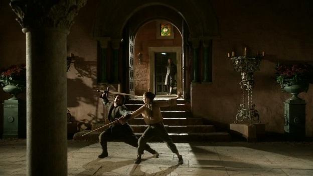 Archivo:Arya y Syrio practicando HBO.jpg