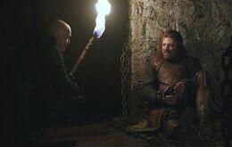 Varys y Eddard HBO.jpg