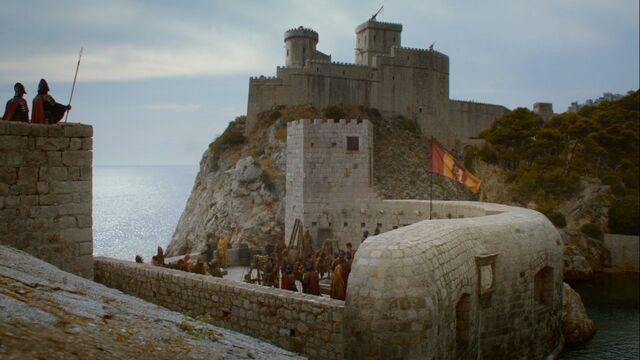 Archivo:Desembarco del rey murallas HBO.jpg