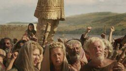 Arya presencia la ejecución de su padre HBO