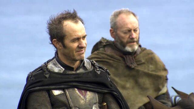Archivo:Stannis Baratheon y Davos Seaworth HBO.jpg