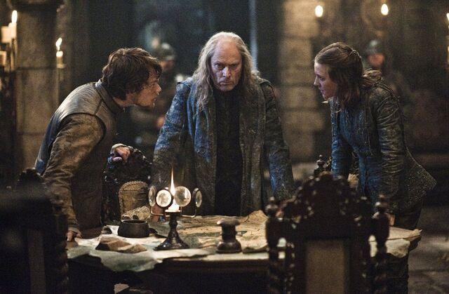 Archivo:Balon Theon y Asha HBO.jpg