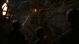 Tyrion habla a los soldados HBO.jpg