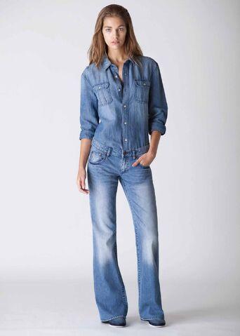 File:Women-jeans-shirt.jpg
