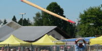 Caber toss (photos)
