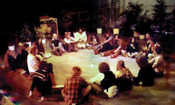 File:Mother Centre Meeting, Nambassa Winter Show, 1979.jpg