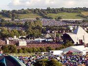 Glastonbury pyramid Fri2003.jpg