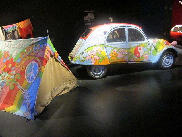 File:Hip Museo Nazionale dell'Automobile di Torino tenda e 2c.jpg