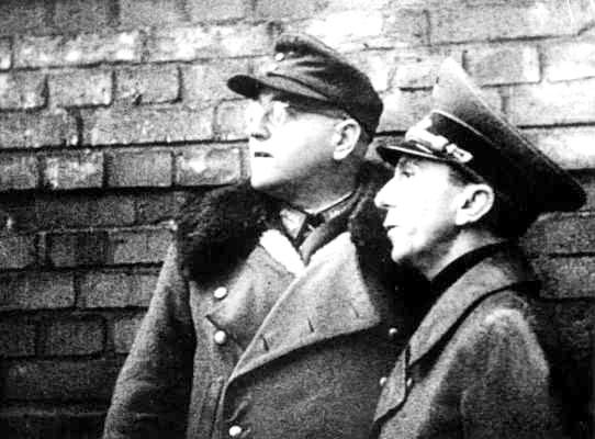 File:Goebbels Busse in Frankfurt.jpg