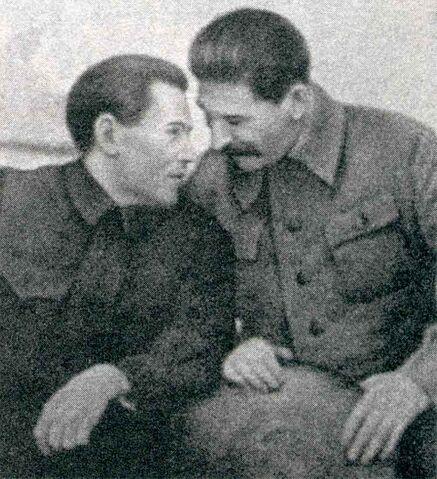 File:Nikolai Yezhov conferring with Stalin.jpg