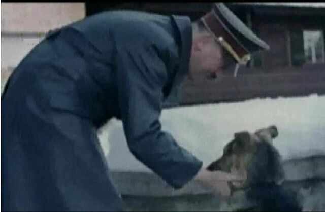 File:Hitler pets blondi.jpg