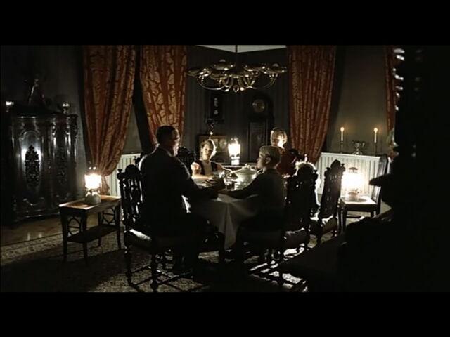 File:Grawitz Family Scene.jpg