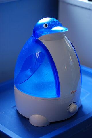 File:Adorable Penguin Humidifier.jpg
