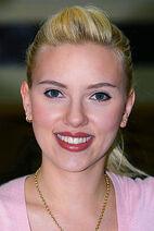 220px-Scarlett Johansson in Kuwait 01b-tweaked