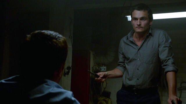 File:Quinn interrogates Brody.jpg