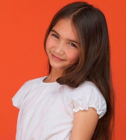 File:Young Lauren Prescott.jpg