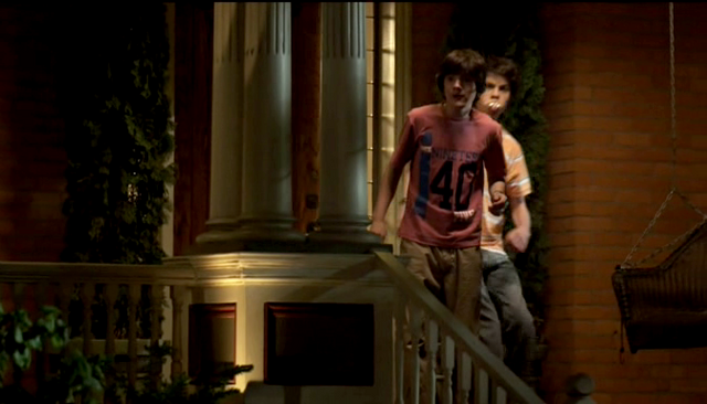 File:Benny-and-Ethan-lol-my-babysitters-a-vampire-24337492-672-384.png