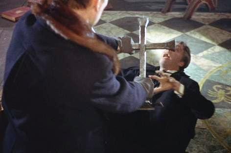 File:Van Helsing vs. Dracula (Hammer Horror).jpg