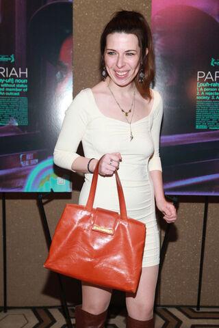 File:Heather+Matarazzo+Pariah+New+York+Premiere+YJEtAPsqIfsl.jpg