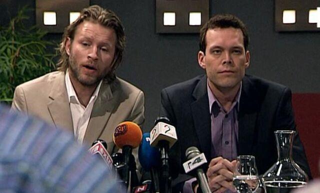 Fil:Rolv og Scott pressekonferanse.jpg