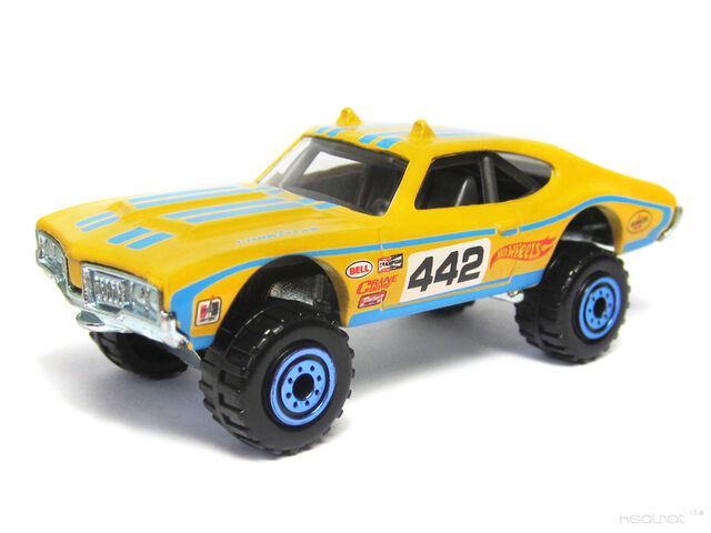 File:Hot Wheels 2013 Flying Customs Olds 442 W-30.jpg