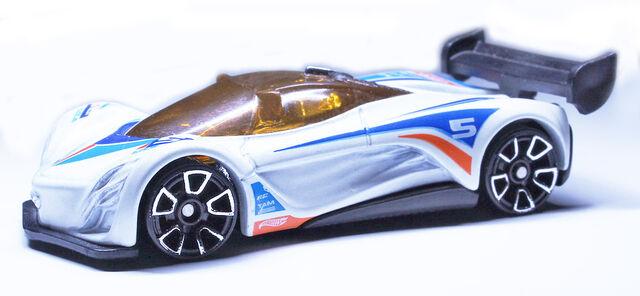 File:MazdaFuraiX6999.jpg
