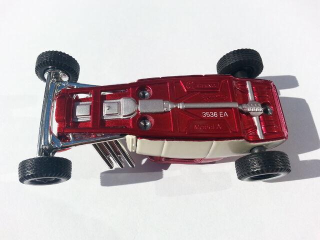 File:Ford Model A underside.jpg