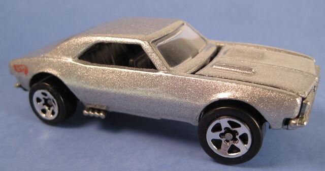 File:67 camaro silver 5-pack car error base on backwards 1.JPG