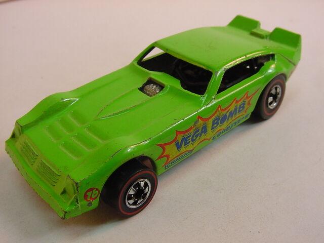 File:Vega Bomb alt green 1975 RL.JPG