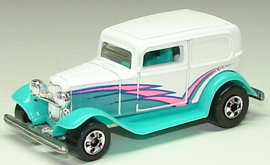 File:32 Ford Delivery TrqwhtBW.JPG