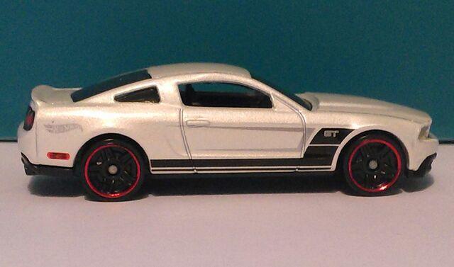 File:Hot wheels 10 mustang 50th 5.jpg