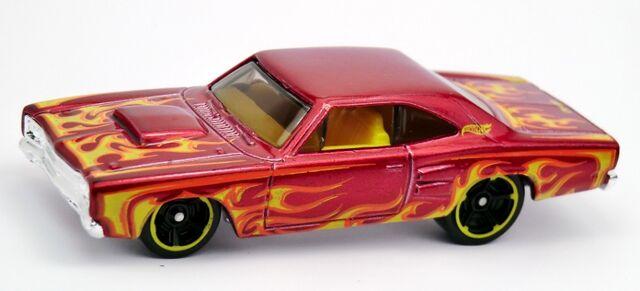 File:'69 Dodge Coronet Super Bee-2013 212 Red.jpg