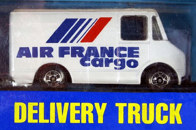 File:Air France Cargo Delivery Truck - 5998cf.jpg